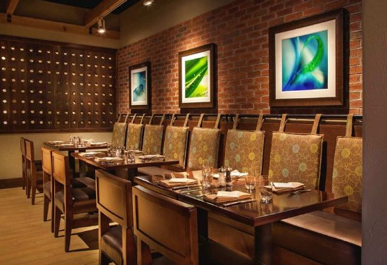 Concord, CA: On-Site Restaurant Seating