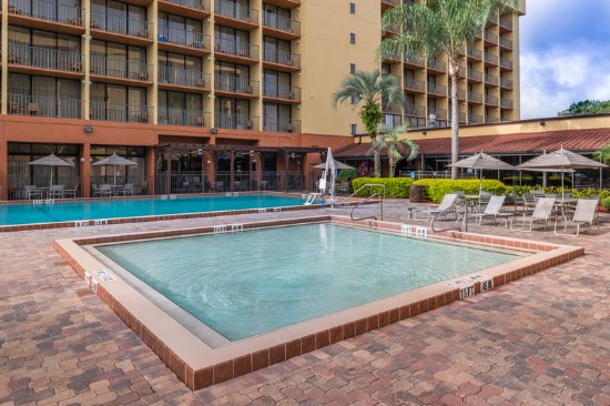 Children s swimming pool great for family reunions - Holiday inn hotels with swimming pool ...