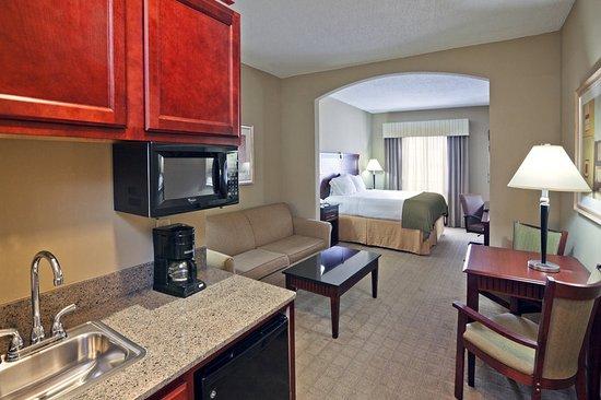 Shawnee, OK: Guest Room