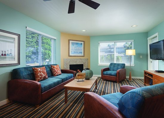 Blaine, WA: WorldMark Birch Bay Two-Bedroom Suite Living Area