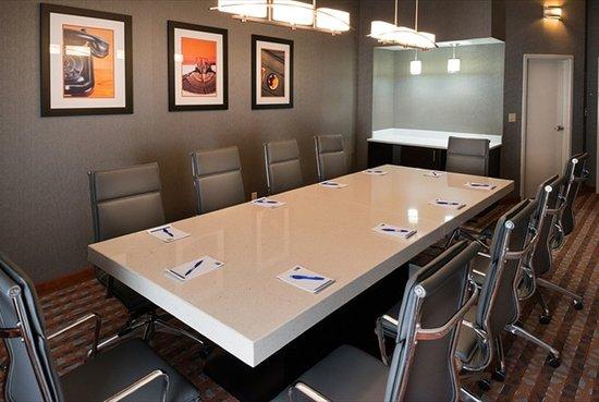 Antioch, TN: Boardroom