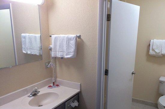 Waynesville, NC: Bathroom