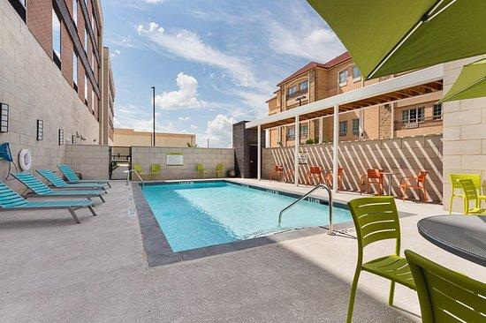 Grand Prairie, TX: Pool