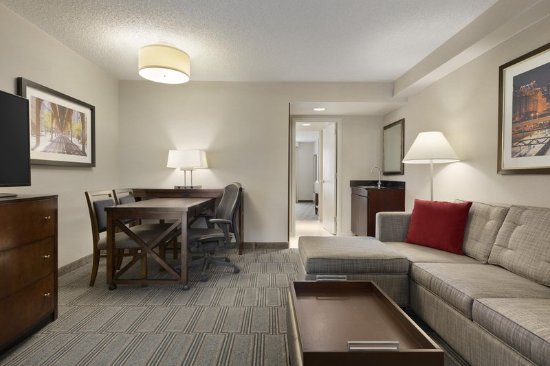 Lombard, IL: Suite Living Area