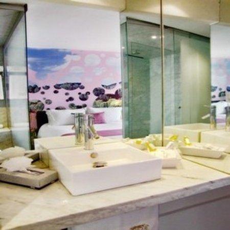 Hotel Del Angel: Bathroom Amenities