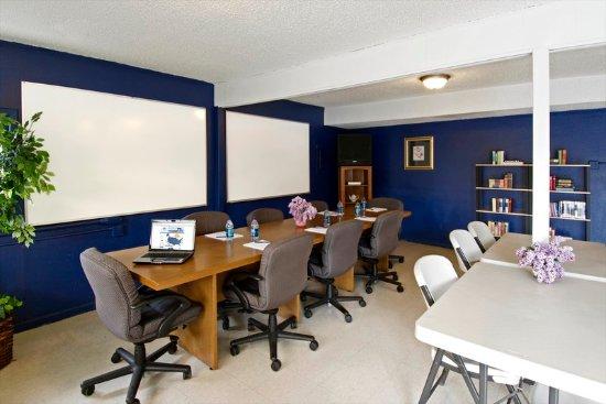 Sheridan, WY: Meeting Room