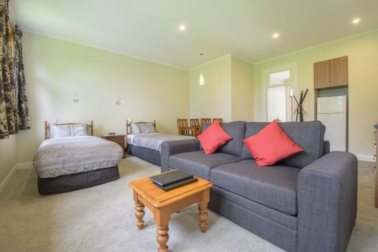 Studio Apartment Queenstown twin studio apartment - picture of willowbrook country apartments