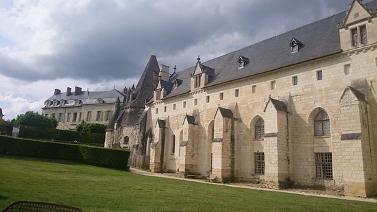 Fontevraud-l'Abbaye, France: Belle architecture