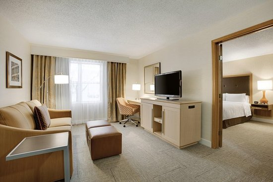 Independence, OH: King Suite
