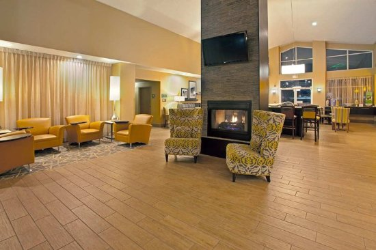 Independence, OH: Hotel Lobby
