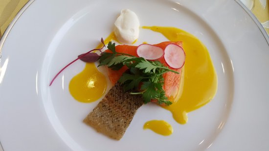 Kitashiobara-mura, Japonya: メイプルサーモンの魚料理(リクエストにより少量)