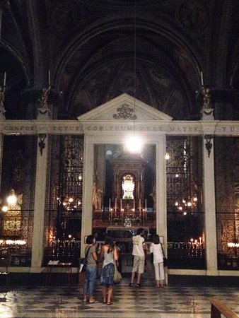 Duomo San Donato : Cappella Madonna del Conforto