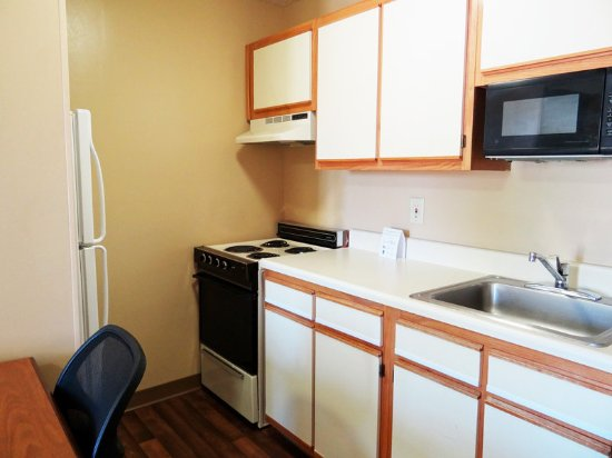 Cary, NC: Fully-Equipped Kitchens