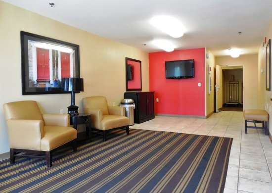 Extended Stay America - Raleigh - RTP - 4610 Miami Blvd.: Lobby and Guest Check-in