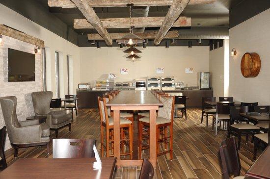 Okemos, MI: Newly Renovated Breakfast Lounge