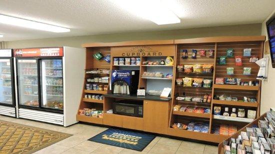 Waukegan, IL: 24 hour Accessible Convenient Store