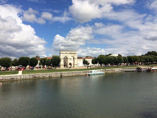 Saintes, ฝรั่งเศส: photo1.jpg