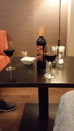 Diegem, Belçika: Drink in the lobby
