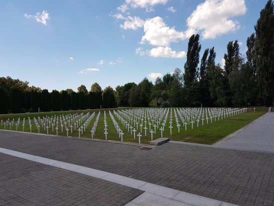 memorial cemetery vukovar