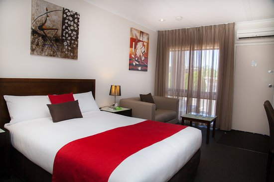 Junction Motel Maryborough: Deluxe Queen Room
