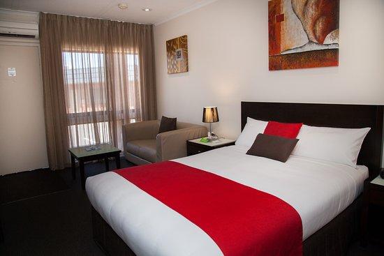 Junction Motel Maryborough: Deluxe Queen Room