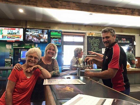 Wagga Wagga, Australia: Tip the owner/barman/cleaner and a great bloke for a yarn