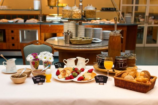 Adria Hotel Prague: Breakfast