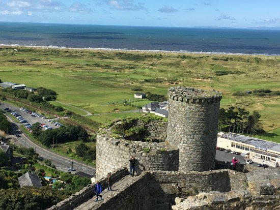Harlech, UK: The course from the castle