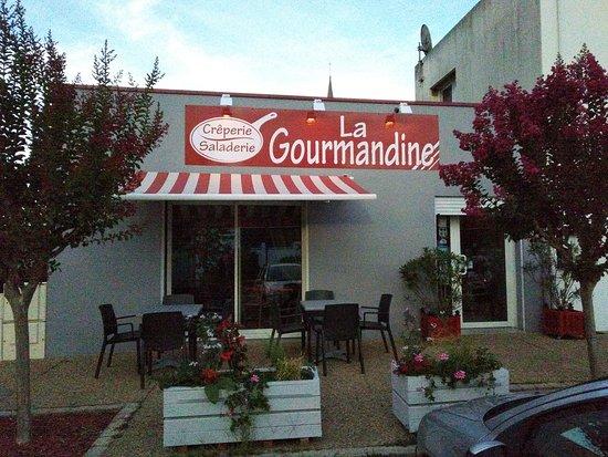 """Миссилак, Франция: Crêperie """"La GOURMANDINE"""" toute rénovée (extérieur ET intérieur)!"""