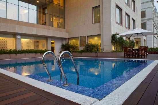 Lemon Tree Premier, Leisure Valley, Gurgaon: Swimming Pool