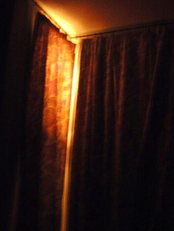 Royal Hotel: Room 105 @ midnight