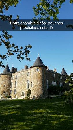 Ch teau de la frogerie b b maulevrier france voir les for Prix chambre chateau vallery