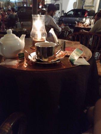 Le Bar Narghile: 紅茶です