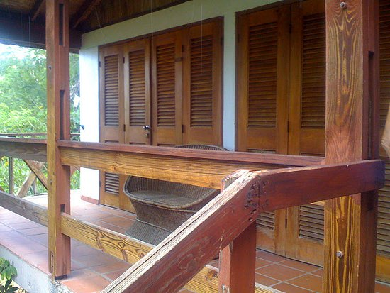 Hummingbird Inn: Exterior