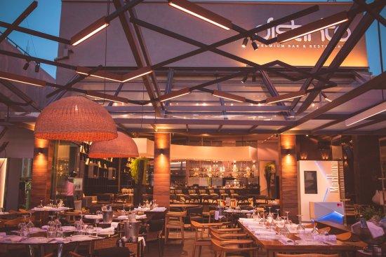 Rio, Yunani: restaurant space