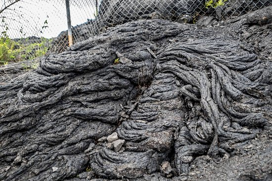 Waikoloa, HI: Relatively recent lava flow at recycling station