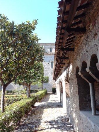 Fossacesia, Italie : Chiostro interno