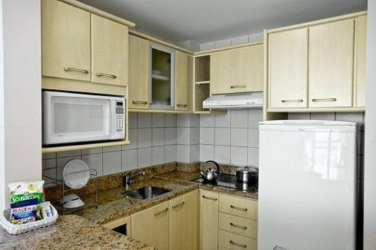 Jurerê Beach Village: Kitchen Suite