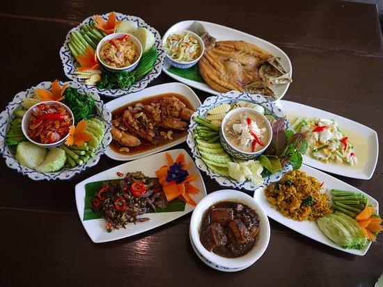 Talat Yai, Tayland: All popular dishes