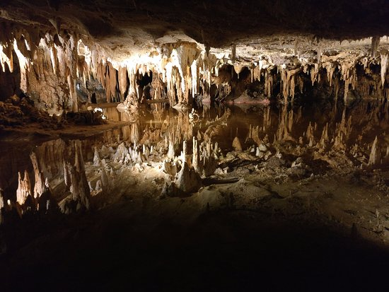 Luray Caverns: refelection in a lake