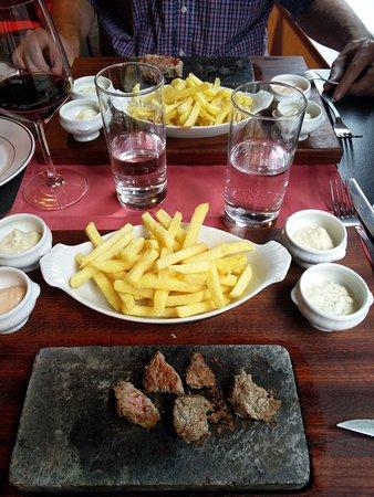 Sierre, Switzerland: Ardoise, frites