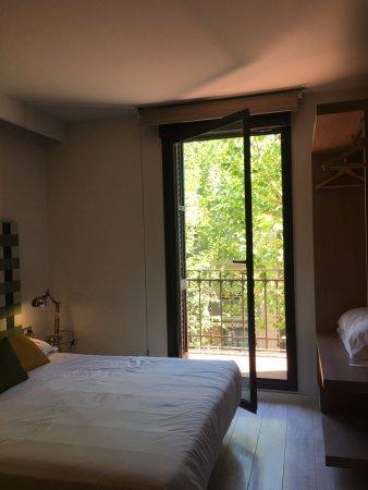 Eric Vokel Sagrada Familia Suites: Double Bedroom with balcony