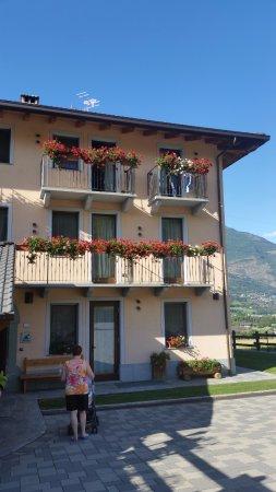 Pollein, Italia: La facciata