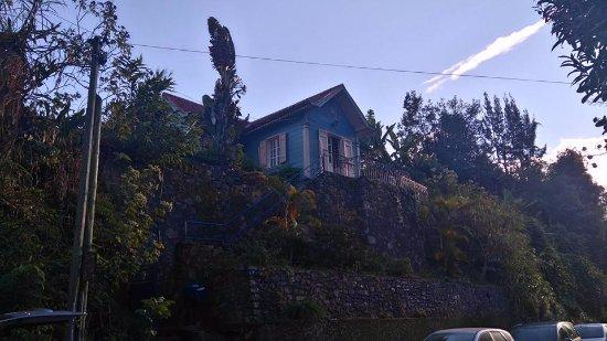 Gite Madeleine Parisot Hell Bourg : l'annexe de l'autre côté de la rue où nous avons dormi