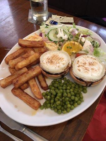 Thornton-Le-Dale, UK: Goats Cheese Tarts