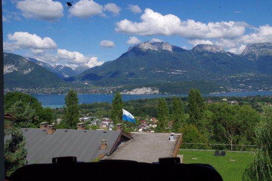 Les balcons du Lac d'Annecy: Vue depuis la salle festive et du bar