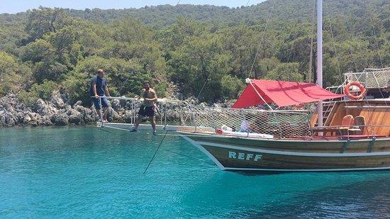 Reff Boat