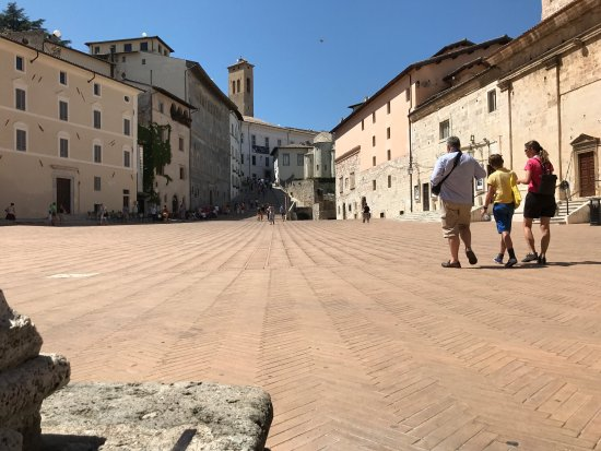 Piazza del Duomo: photo1.jpg