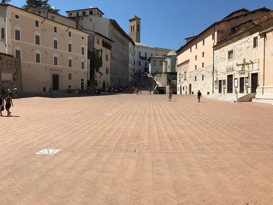 Piazza del Duomo: photo2.jpg