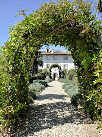 Peccioli, Italy: Hotel from the gardens